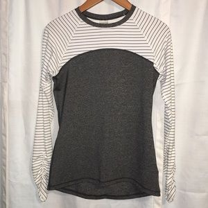 Calia top by Carrie Underwood size small gray